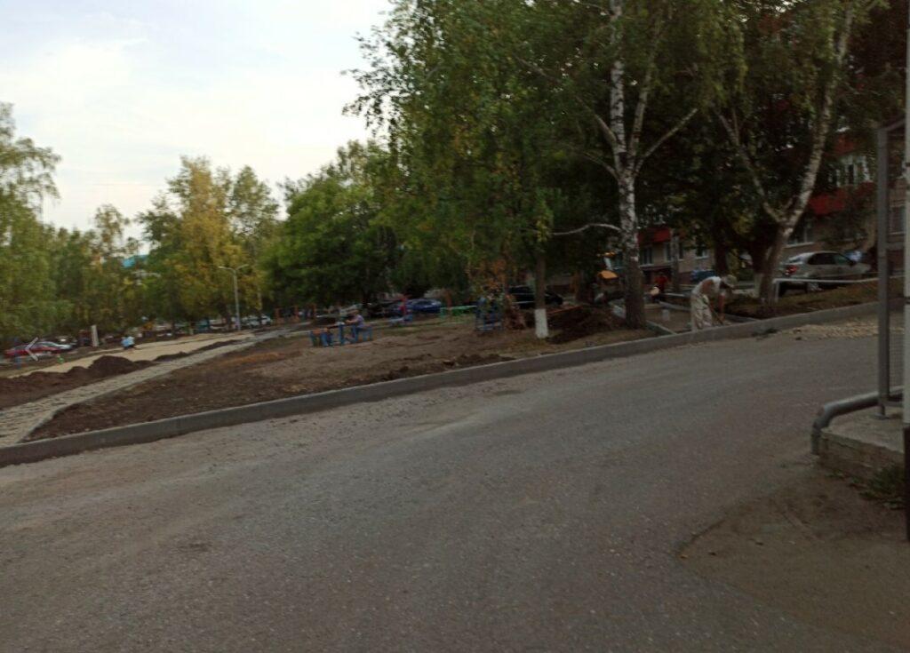 Фото Заинск Татарстан перекопан весь двор жилых домов, работы ведутся более трех месяцев.